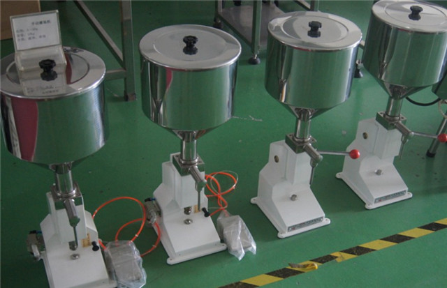pneumatic Whipping Cream hand lotion liquid Filler manual Filling Machine 5-70ml with pedal switch