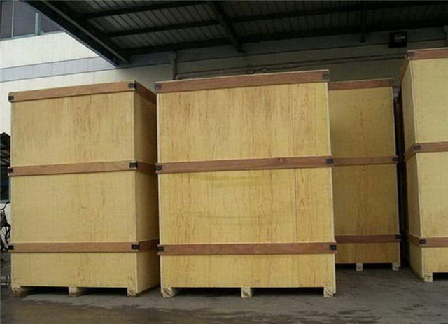 wooden packing of plastic tubes filling ultrasonic sealing m