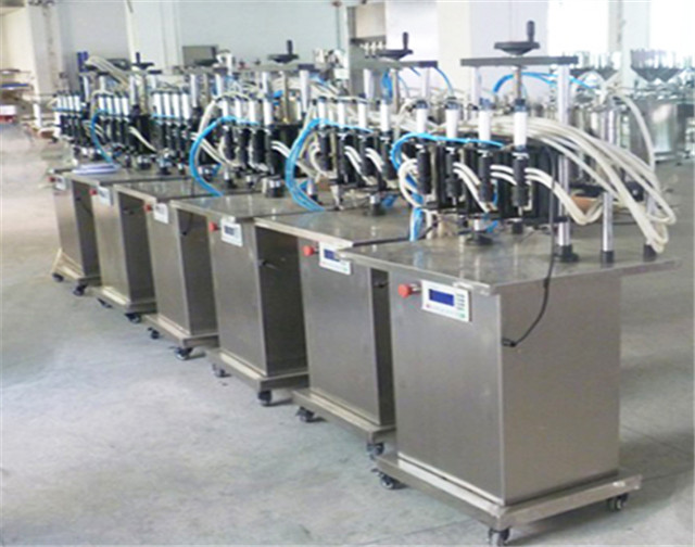 4 head Filling Machines for Perfume nail polish vacuum liquid filler equipment for glass bottles Semi-automatic machinery