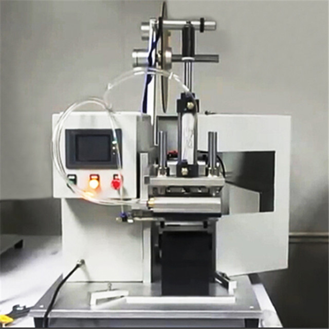 semi automatic flat surface objects labeller equipment.jpg