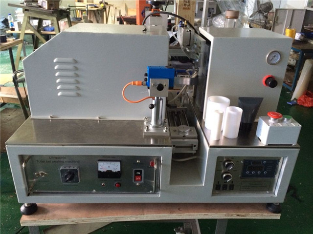 South African customer ordered YX-005 ultrasound tube sealing machine semi auto tube sealer