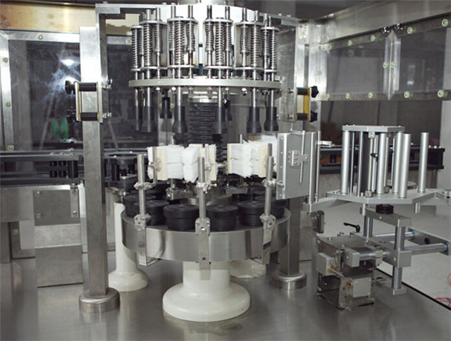 structure of Rotary labeling machine fully automatic.jpg