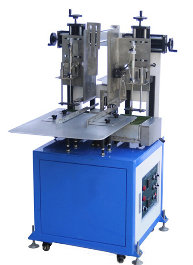 closer view of semi-automatic hot melt glue box sealing mach