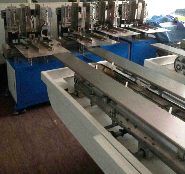 semi-automatic hot melt glue box sealing machines.jpg