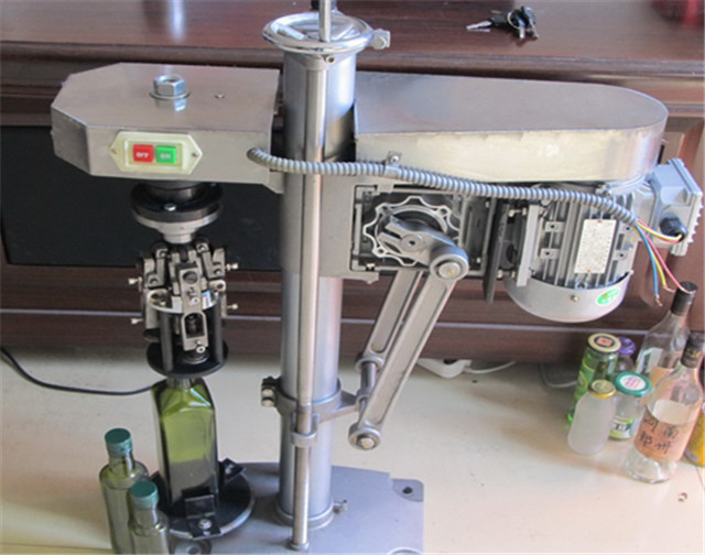 Glass bottle aluminum metal caps ROPP capping machines semi automatic screw ROPP capper equipment for beer wine
