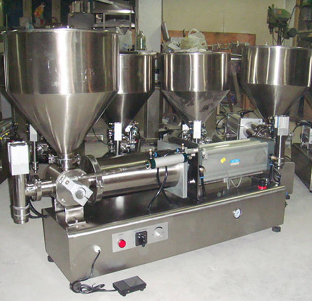 semi automatic pneumatic filler with equipment.jpg